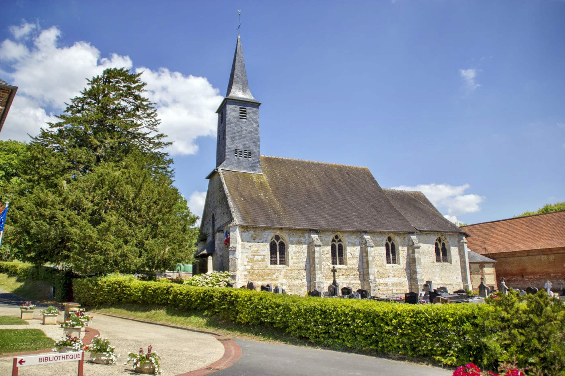 Surville_eglise_if